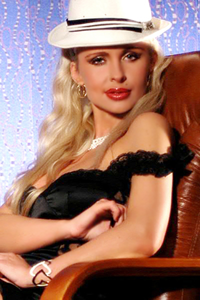 Valeriya 41 years old Russia Moscow, Russian bride profile, russian-brides.dating