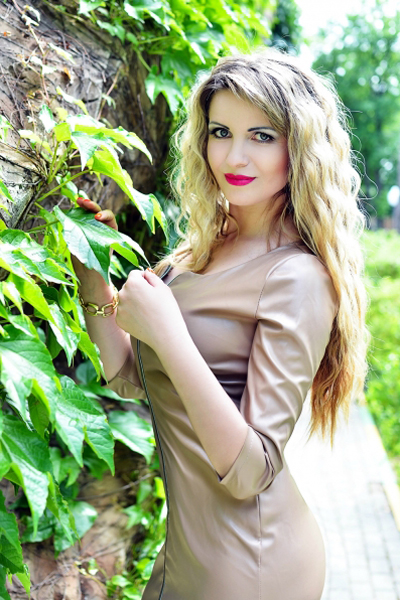 Irina 39 years old Ukraine Kharkov, Russian bride profile, russian-brides.dating