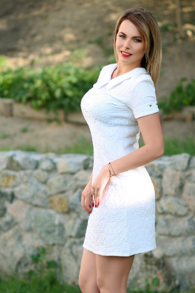Yuliya 31 years old Ukraine Dnipro, Russian bride profile, russian-brides.dating