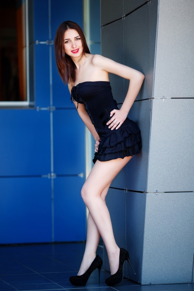 Alena 25 years old Ukraine Kharkov, Russian bride profile, russian-brides.dating