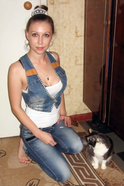 Irina 37 years old Ukraine Lugansk, Russian bride profile, russian-brides.dating