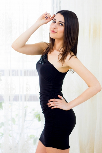 Alina 27 years old Ukraine Kharkov, Russian bride profile, russian-brides.dating