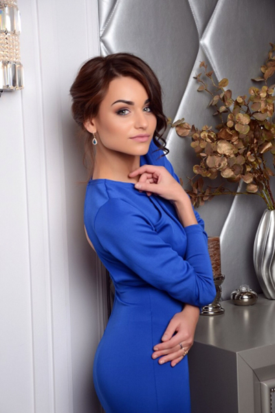 Karina 23 years old Ukraine Kiev, Russian bride profile, russian-brides.dating