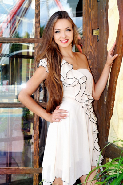 Anna 35 years old Ukraine Kharkov, Russian bride profile, russian-brides.dating