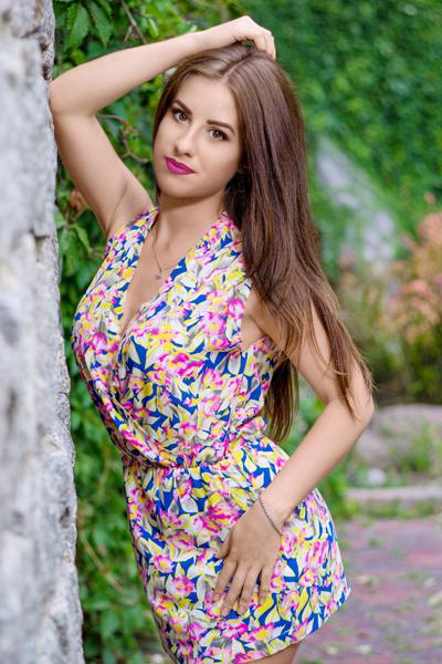 Lyudmila 31 years old Ukraine Uman', Russian bride profile, russian-brides.dating