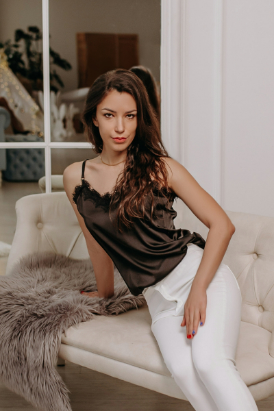 Irina 30 years old Ukraine Zaporozhye, Russian bride profile, russian-brides.dating