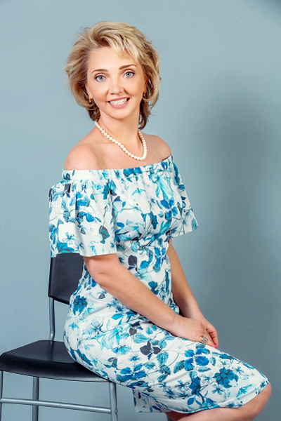 Larisa 48 years old Russia Saint-Petersburg, Russian bride profile, russian-brides.dating