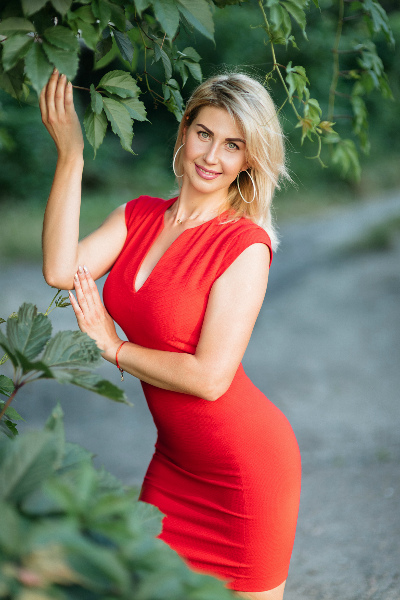 Inna 31 years old Ukraine Nikolaev, Russian bride profile, russian-brides.dating