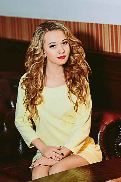 Elizaveta 22 years old Ukraine Cherkassy, Russian bride profile, russian-brides.dating