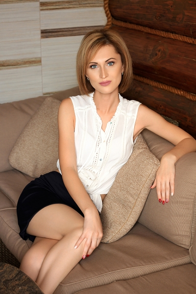 Ulyana 37 years old Ukraine Lvov, Russian bride profile, russian-brides.dating