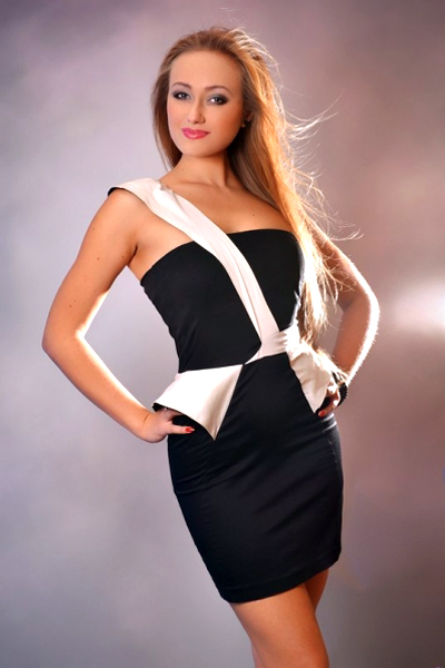 Anna 33 years old Ukraine Kharkov, Russian bride profile, russian-brides.dating