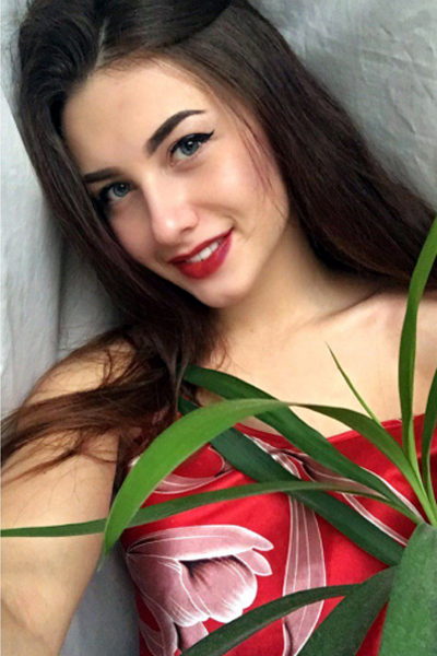 Vlada 20 years old Ukraine Cherkassy, Russian bride profile, russian-brides.dating