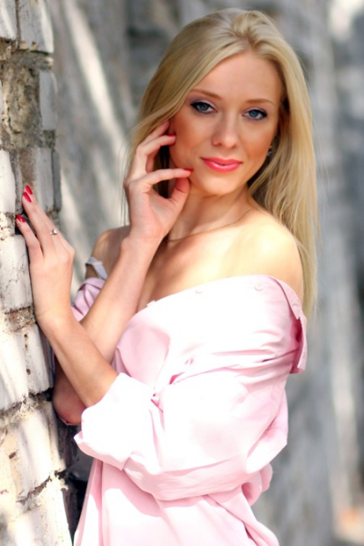 Svetlana 32 years old Ukraine Krivoy Rog, Russian bride profile, russian-brides.dating